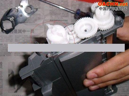 1、大家在维修打印机,维修复印机时遇到技术问题,请到技术讨论区发帖,上传资料请到维修资料上传区,下载不要使用迅雷等工具。 2、打印机维修资料下载:打印机拆机图解、打印机加粉图解、打印机清零软件、打印机维修教程、打印机加粉论坛、打印机维修视频。 3、打印机维修论坛导航:激光打印机论坛、针式打印机论坛、喷墨打印机论坛、行式打印机论坛、条码打印机论坛、打印机维修教程。 3、办公设备维修网导航:复印机维修论坛、一体机维修论坛、传真机维修论坛、绘图仪维修论坛、打印机维修教程、复印机论坛。