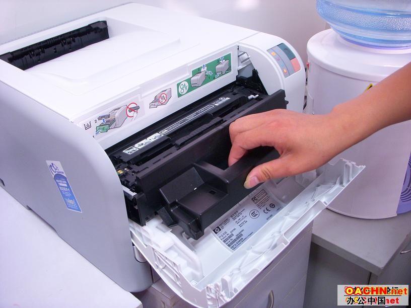 215彩色激光打印机硒鼓加粉图解 精华版